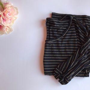 🎃 3/$15 🖤 Bobi Striped Top 🖤